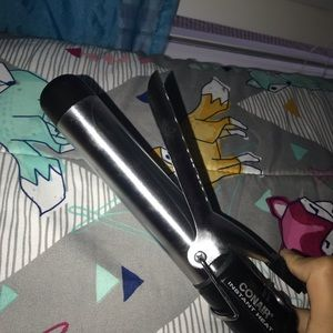 Conair Accessories - 1-1/4 INCH CONAIR CURLING IRON WITH STAND